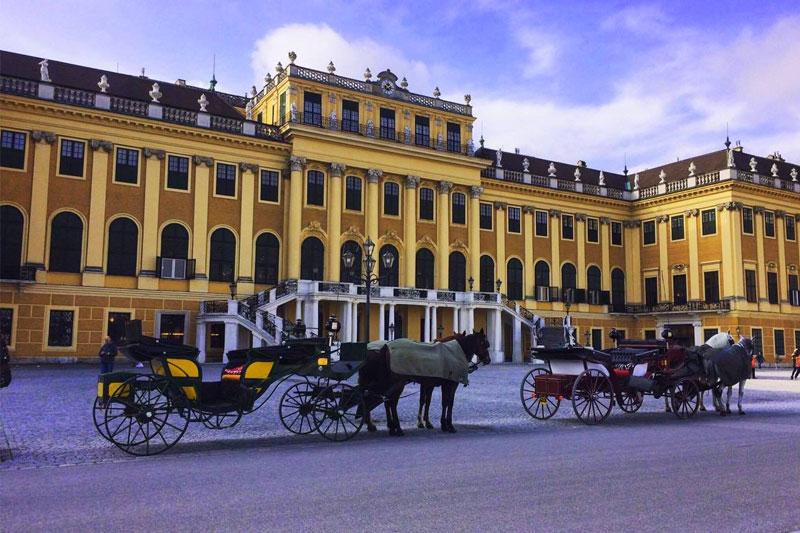 Karietos-Vienoje